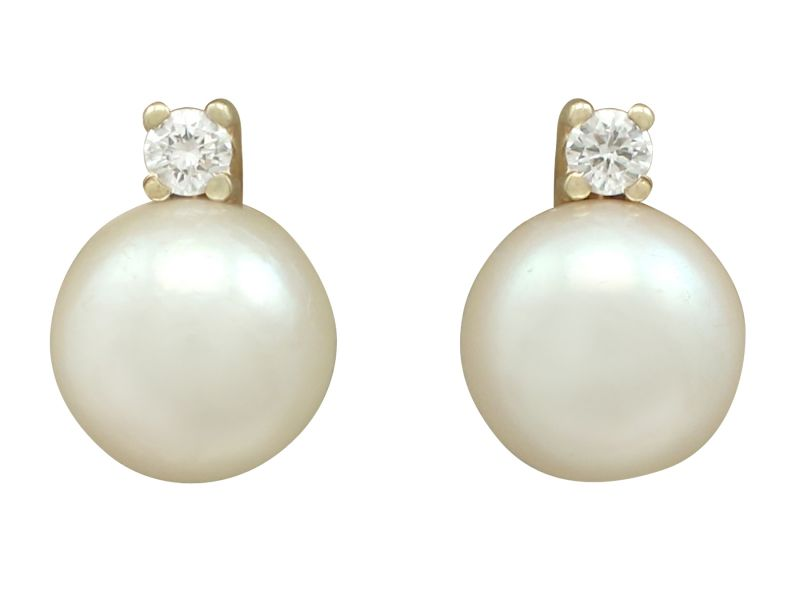 Vintage 0 06 Ct Diamond And Cultured Pearl 14 Carat Yellow Gold Stud